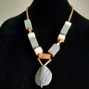 Charlie Paige chunky statement woman necklace